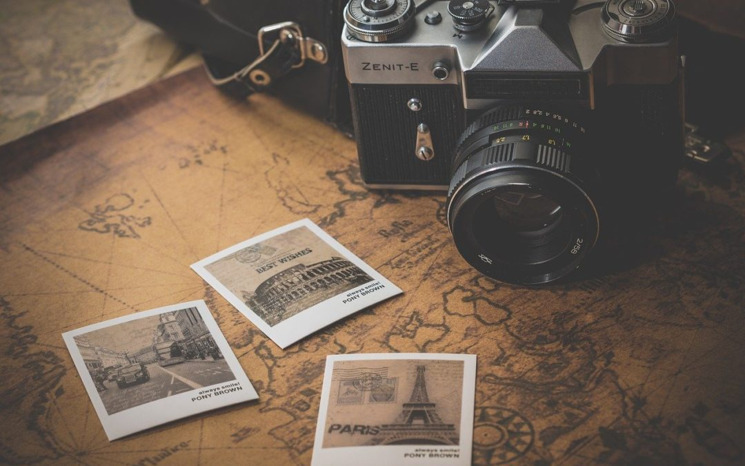 Hæng feriebillederne op og få afstresset dig selv